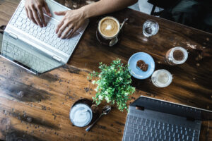 Digital nomads working in a coffeeshop